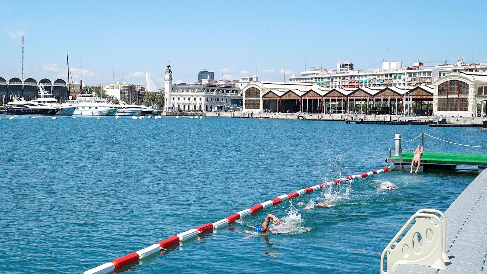 piscina en la marina de valencia